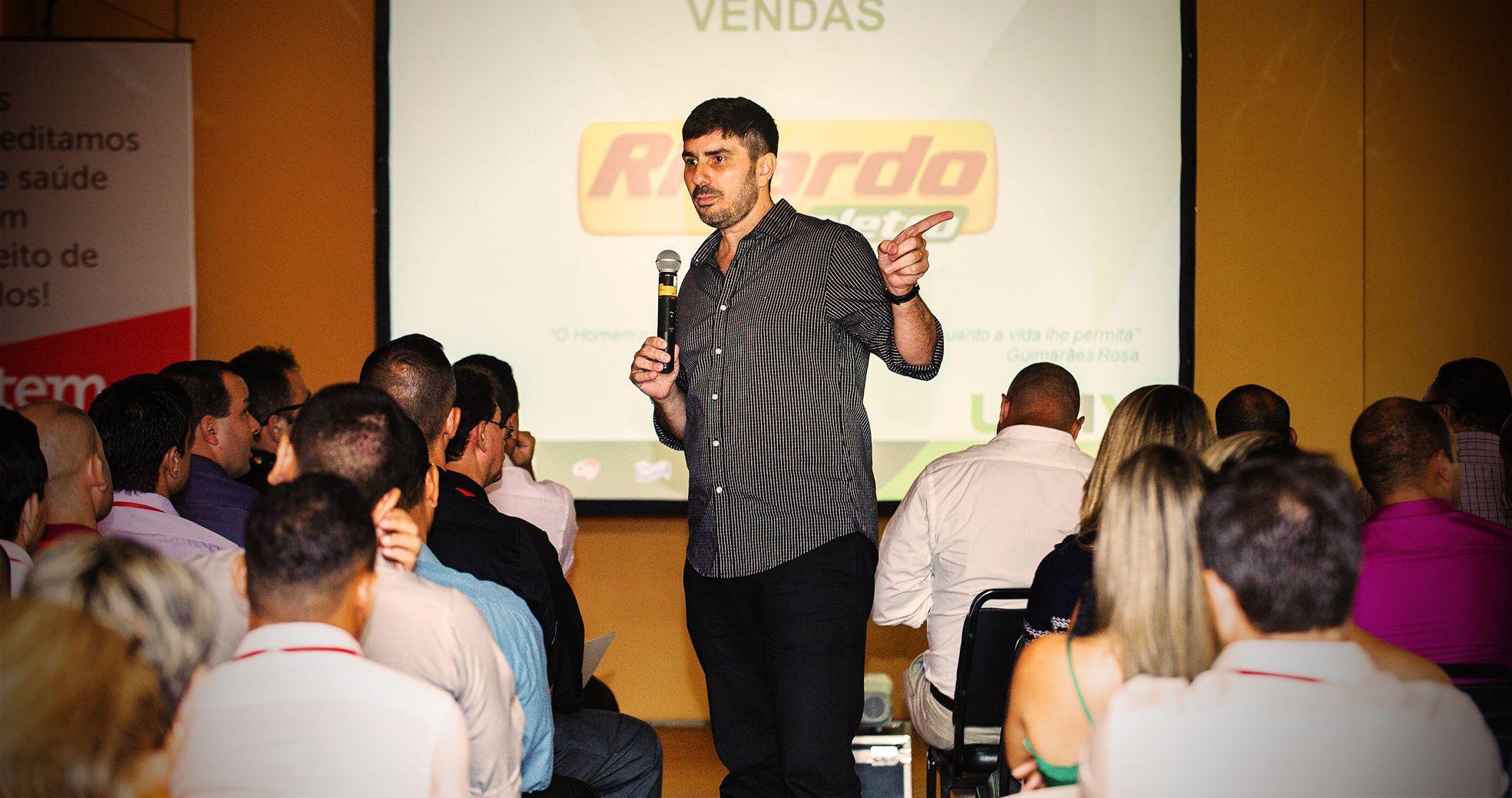 Evento Corporativo - Treinamento Ricardo Eletro - Agência DosReis Livre Marketing