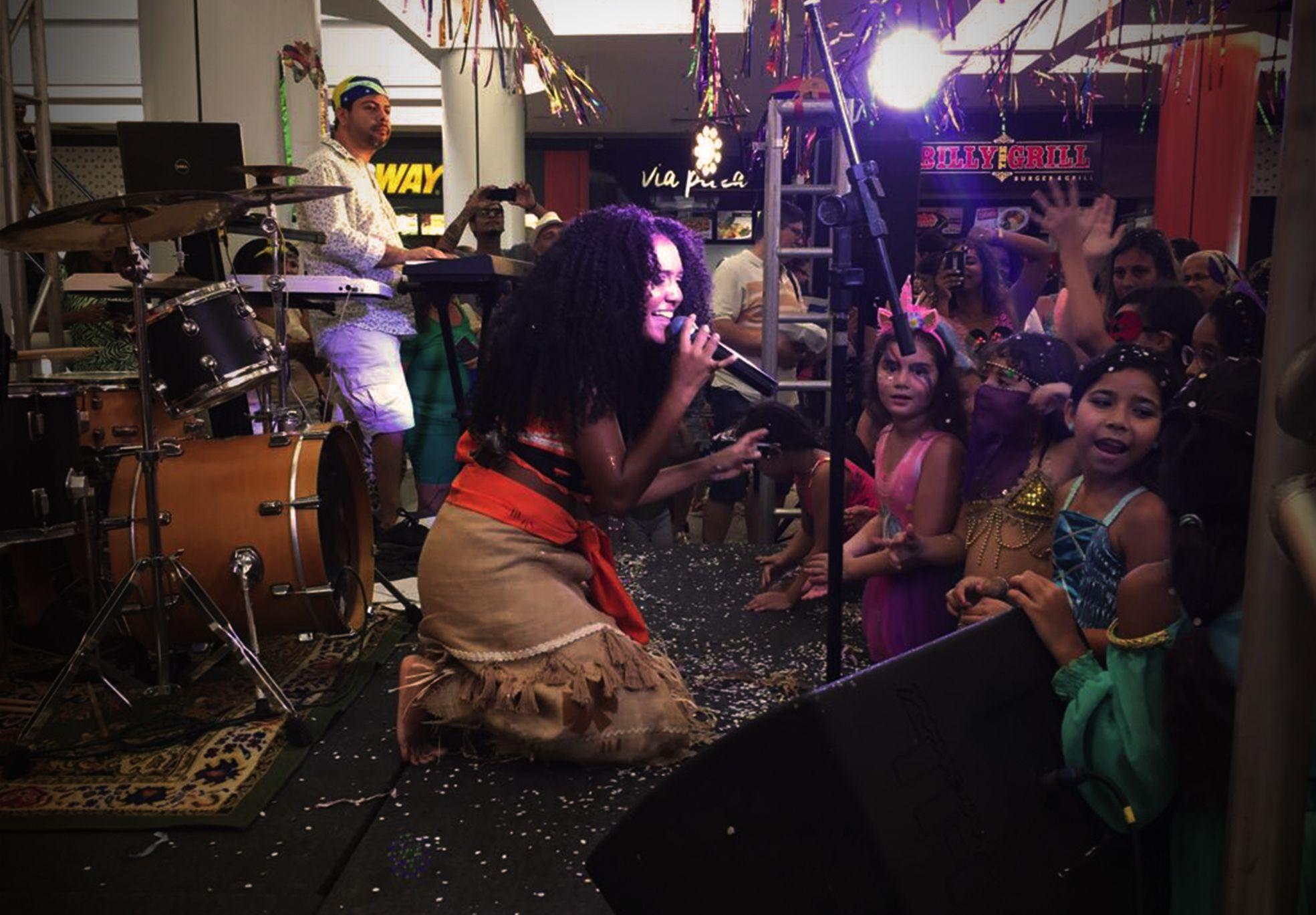 Evento Bailinho de Carnaval Shopping Via Brasil - Agência DosReis Live Marketing