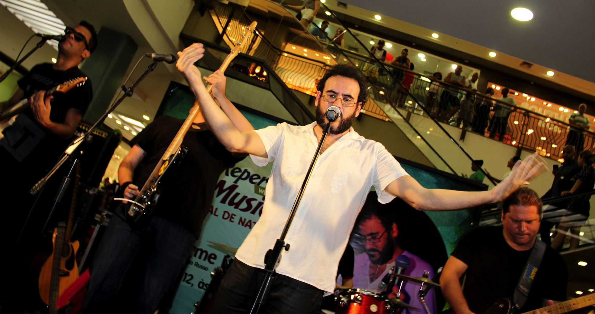 Show - Tributo a Legião Urbana no West Shopping com Guilherme Lemos - Agência DosReis Live Marketing