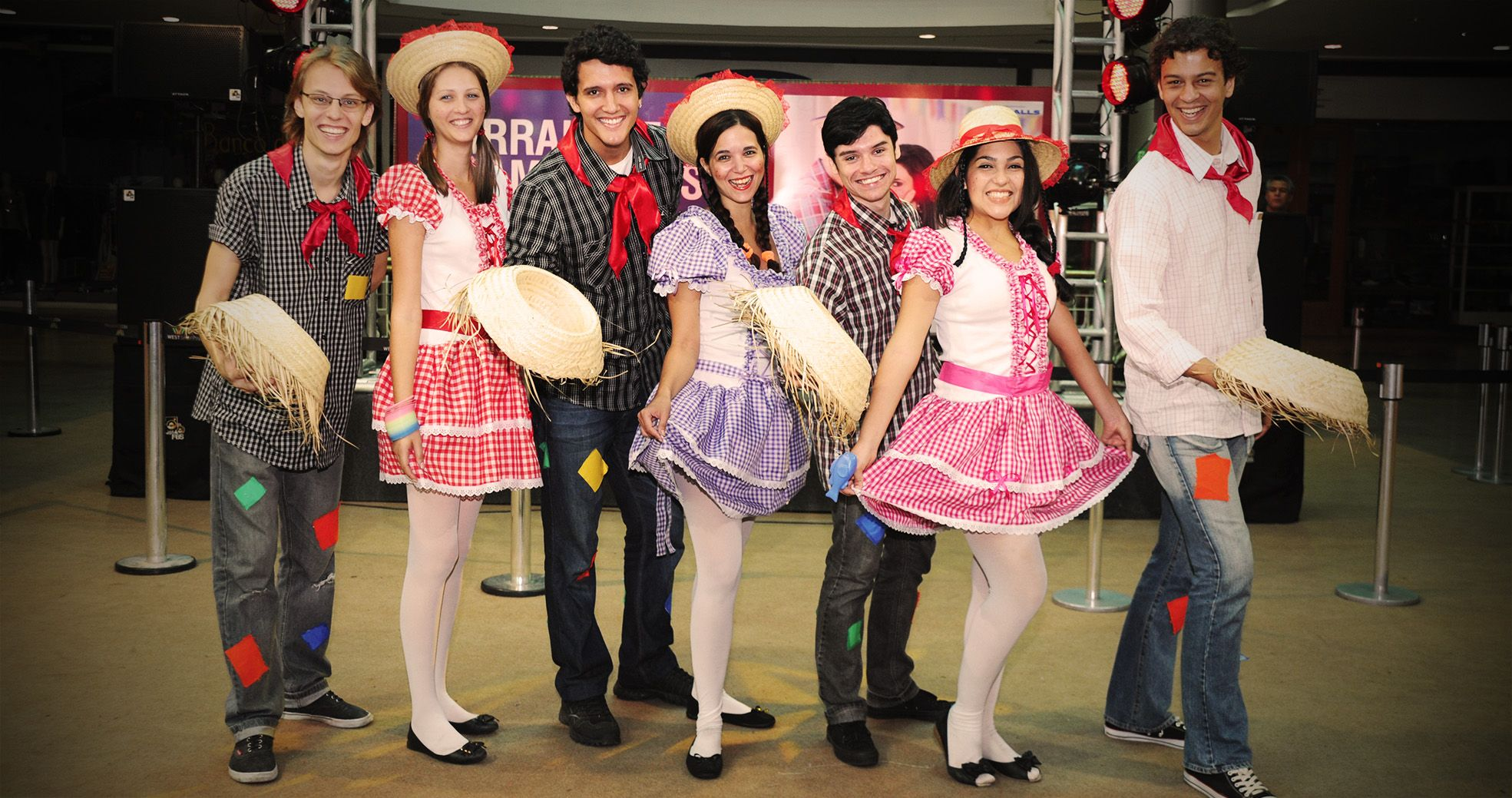 Produção de Evento - Festa Junina West-Shopping - Agência DosReis Live Marketing